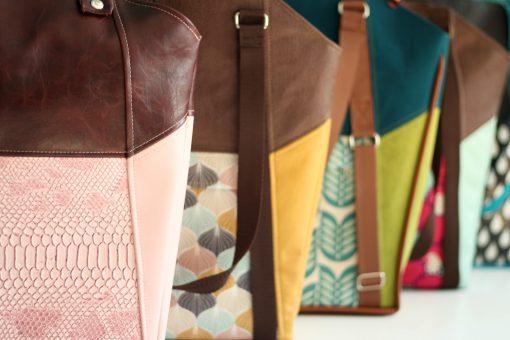 Tasche Lexa Hansedelli verschiedene Beispiele Shopper Schnittmuster Weekender nähen rosa Schlangenkunstleder