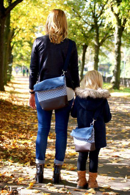 FoldOver 2.0 mini Hansedelli blau Mutter-Tochter-Kombi Kindergartenrucksack Rucksacktasche nähen kleine Fold Over Tasche Schnittmuster