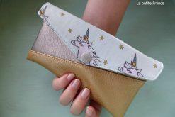 Freebook Smartphonetasche KUORI Hansedelli Einhorn rosa gold Kunstleder metallic Handytasche kostenloses Schnittmuster Täschchen nähen
