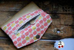 Freebook Smartphonetasche KUORI Hansedelli Äpfel pink gold Kunstleder Handytasche kostenloses Schnittmuster Täschchen nähen