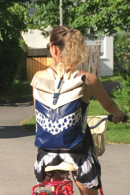 Varo Rucksack Rolltop blau Vogel Schnittmuster