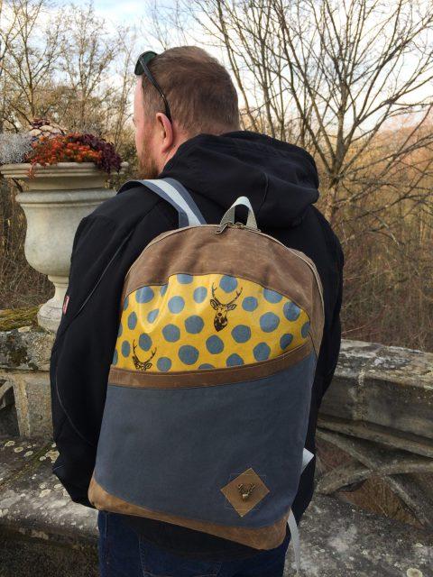 ROANO Hansedelli nähen für Männer Schnittmuster Rucksack Oilskin grau Kokka Hirsche gelb