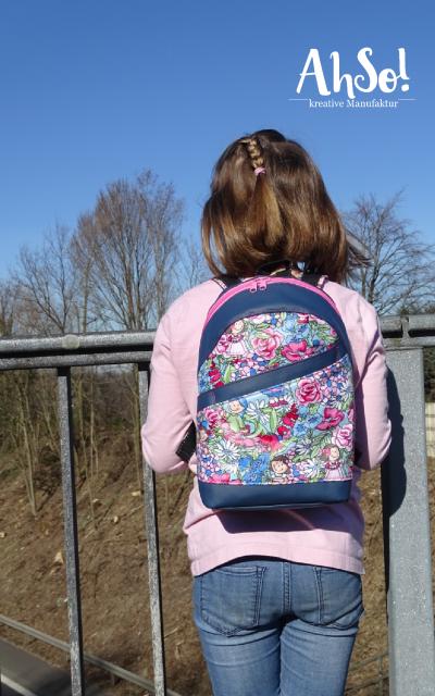 ROANI Hansedelli Kinderrucksack nähen für Kinder Schnittmuster Rucksack Blumenmädchen pink blau