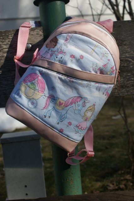 ROANI Hansedelli Kinderrucksack nähen für Kinder Schnittmuster Rucksack rosa Prinzessin Einhorn