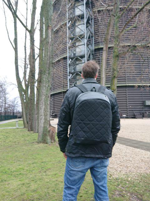 ROANO Hansedelli nähen für Männer Schnittmuster Rucksack schwarz Steppstoff