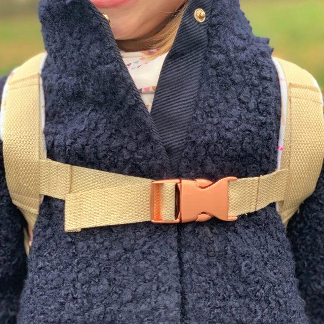 ROANI Hansedelli Kinderrucksack nähen für Kinder Schnittmuster Rucksack Brustgurt selbermachen kupfer Steckschnalle