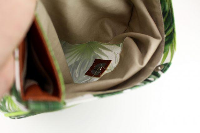 Taschenverschlüsse befestigen Mappenschloss stabilisieren Hansedelli Schnittmuster Taschen