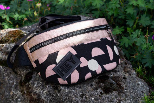 Rosa metallic Bauchtasche schwarz kupfer fanny pack nähen Hansedelli