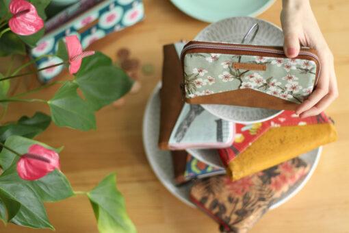 Little Mynta Geldbörsen nähen Portemonnaie Kirschblüten mint Blumen metallisierter Reißverschluss Hansedelli