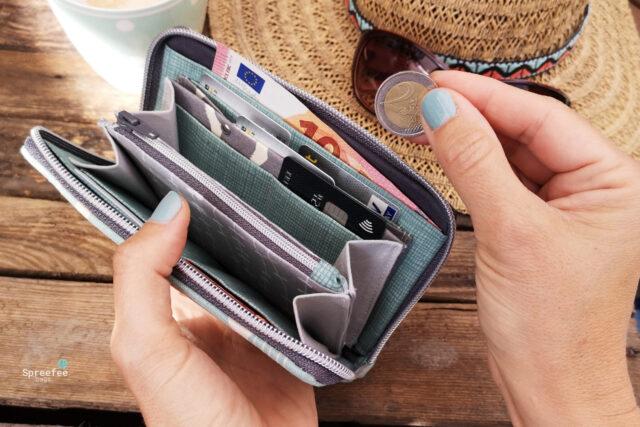kleine Geldbörse innen Portemonnaie umlaufender RV Detail Hansedelli