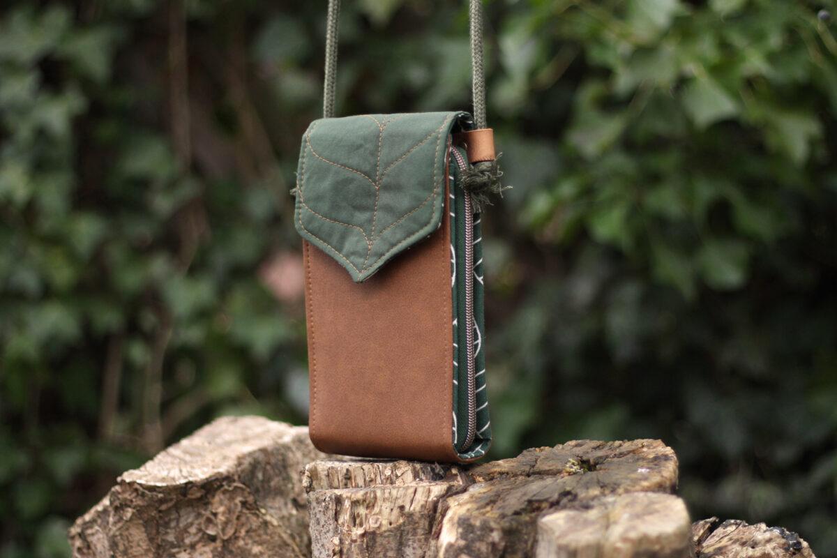 Little Foksa mit Blattklappe Waldläufer Tasche nähen Handy Umhängetasche Schnittmuster