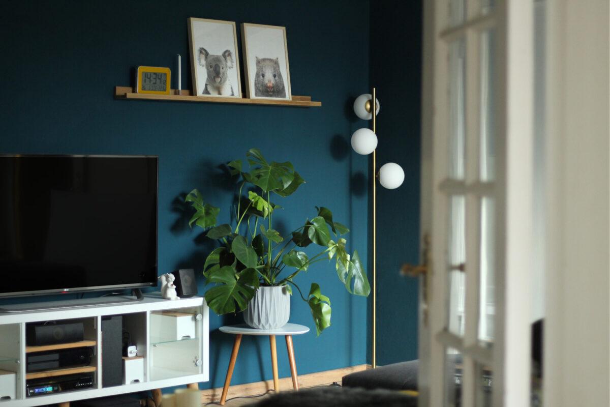 Wohnzimmer Petrol einrichten Monstera living room interior Design
