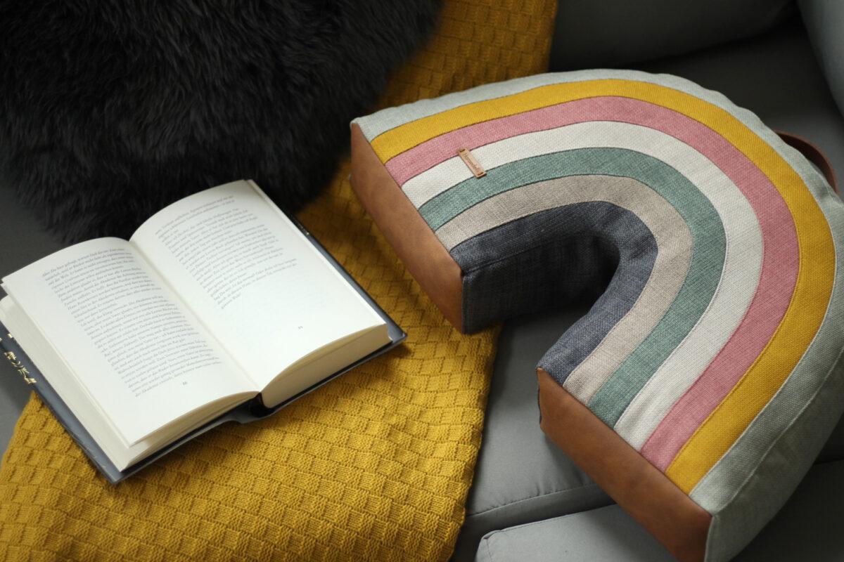 Regenbogenkissen nähen Design Regenbogen Kissen Schnittverhext